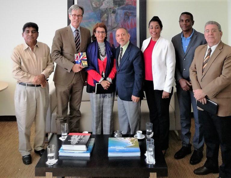 Biblioteca Nacional recibe visita del embajador de Alemania