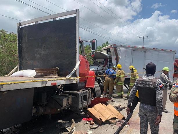 Mueren cuatro hombres en accidente de transito